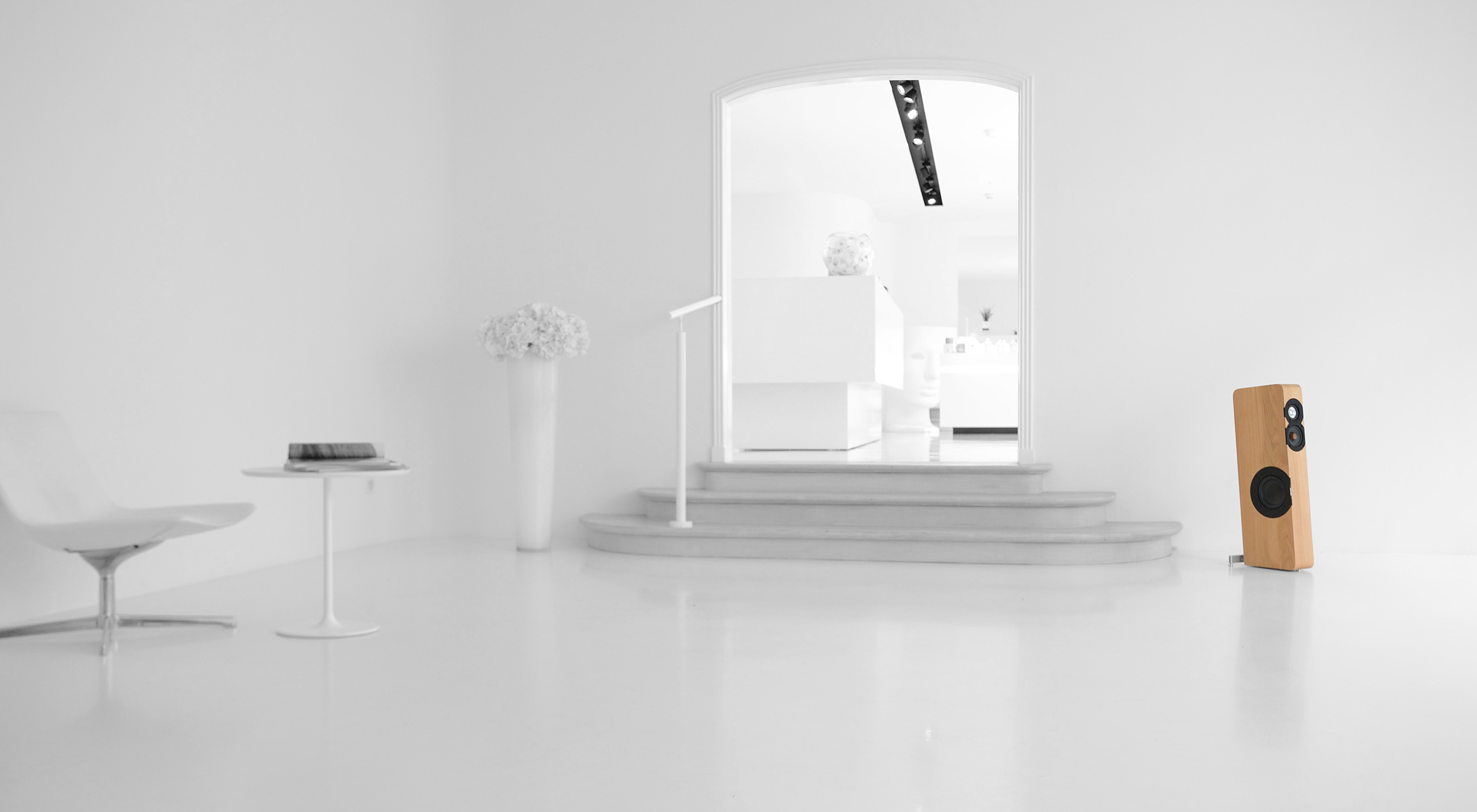W8_whiteroomSW